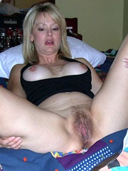 The Big and Hairy mature pussy, amateur..