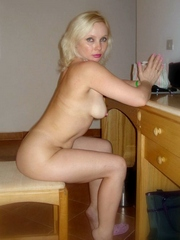 Blonde mature woman looking for sex..