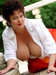 Beautiful mature lady with big breasts..