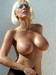 Sexy blonde middle aged chick so..