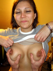 Amateur spanish mature women give her..