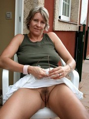 Homemade Photos of mature slut on rest
