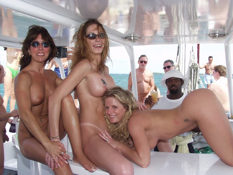 Short Description: Naked mature GFs and sexy MILF.. Back to mature ...