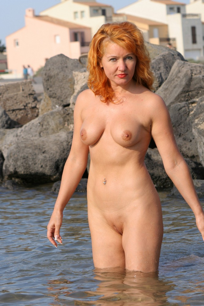 Older women naked pictures