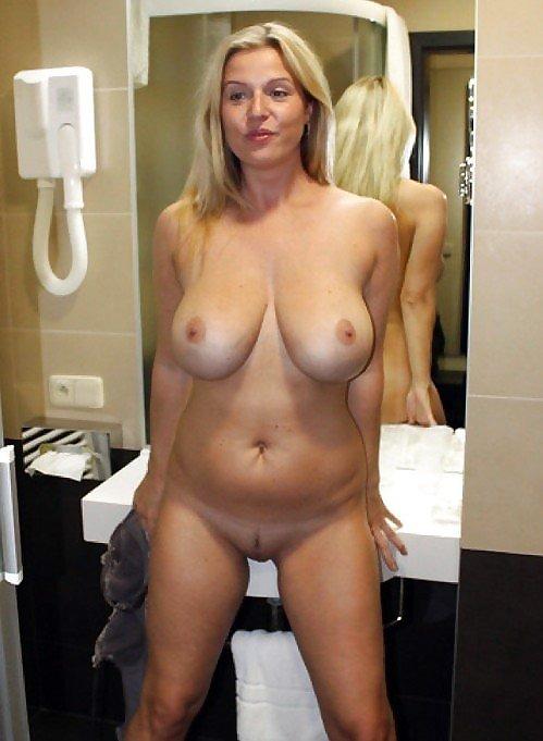 Short Description: Amateur curvy girlfriend posing.. Back to mature ...