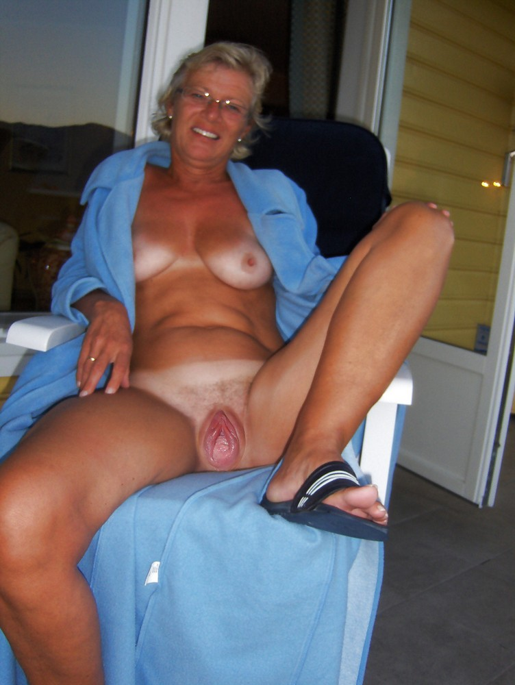Mature old whore porn hot naked pics