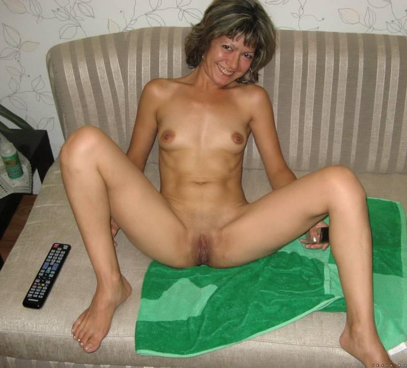 Amateur tattooed mom huge natural boobs 4