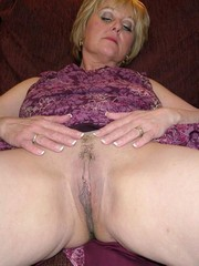 Nude UK Mature British Housewife Dee