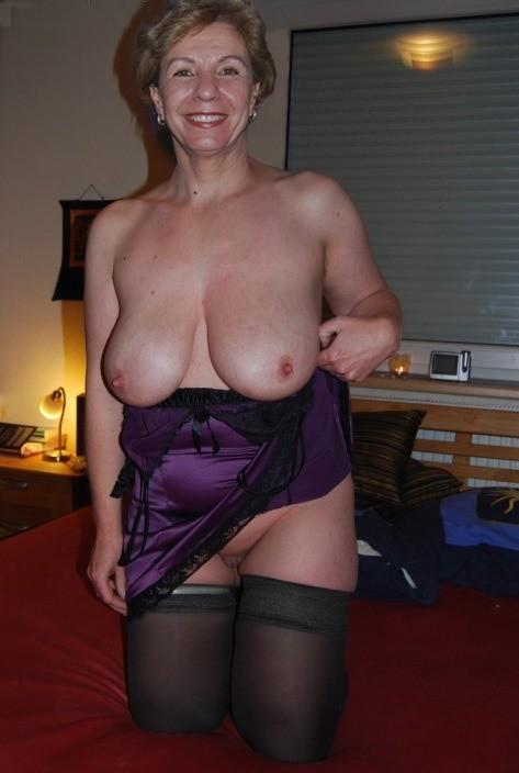 average naked wife